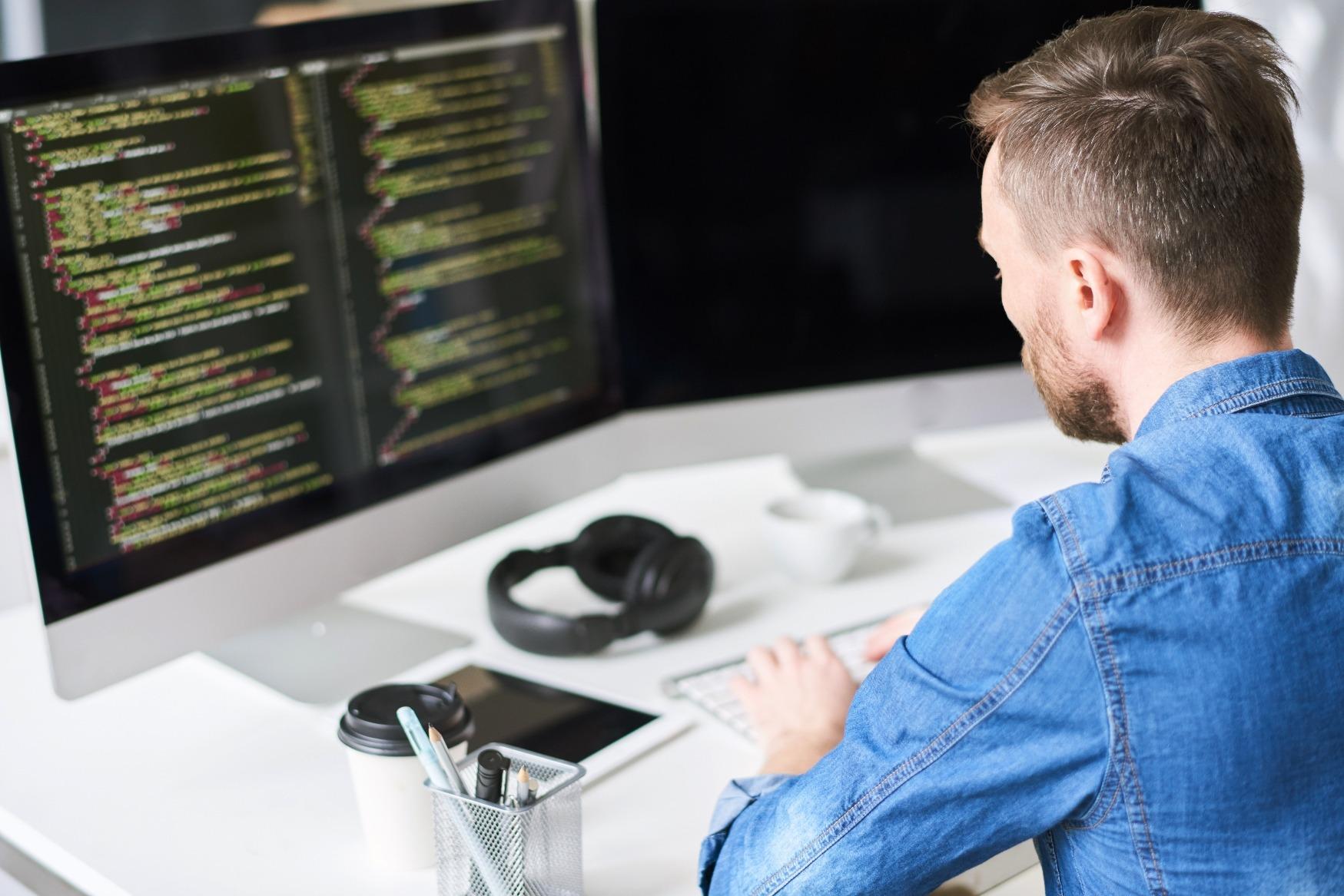 Data Scientist arbeitet an einen Projekt