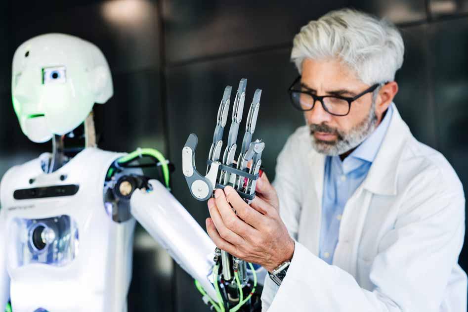 Wissenschaftler schraubt an einem Roboter der Serie T-800.