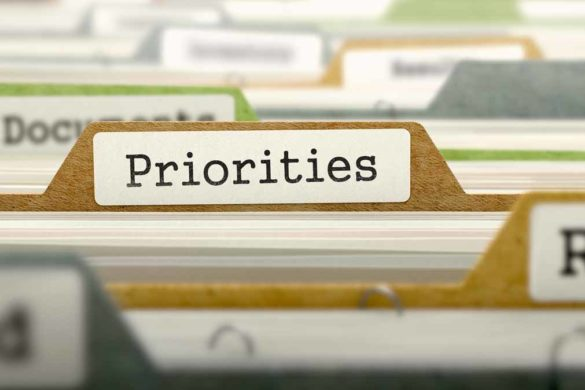 Aktenschublade mit der Kategorie Prioritäten gelabelt.