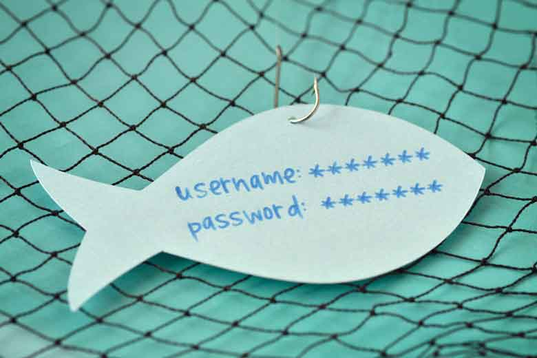 Ein Fisch am Haken. Auf dem Fisch sieht man einen verschlüsselten Usernamen und ein Passwort. Die Darstellung dient als Symbol für Phishing.