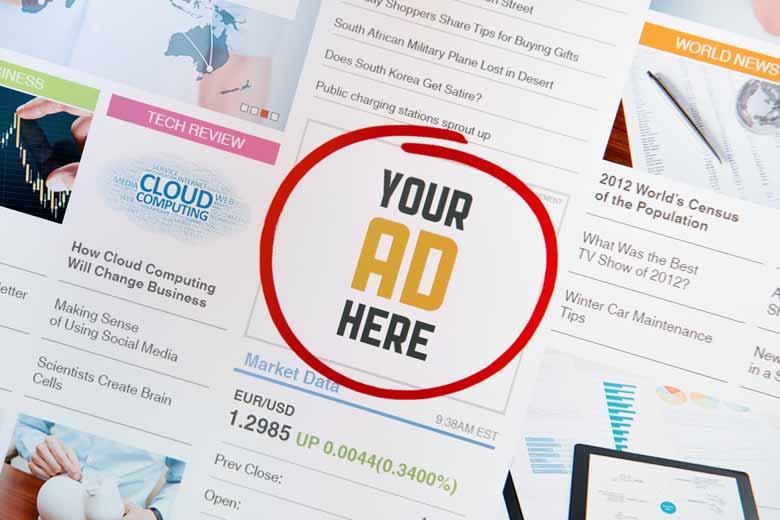 Eingekreiste Werbefläche auf einer Website