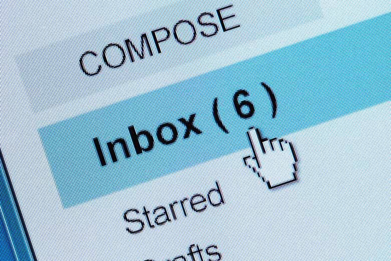 Nahaufnahme Dashboard von einem Email-Posteingang.