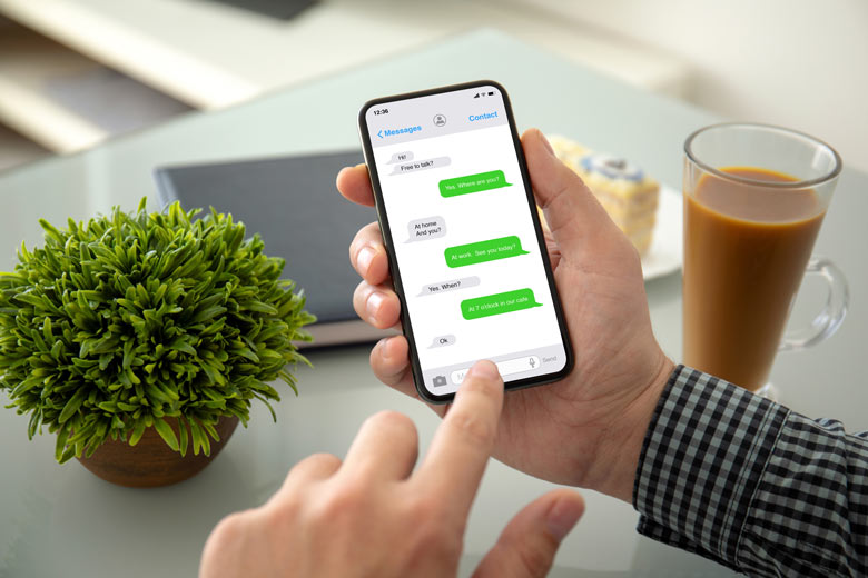 WhatsApp Chatverlauf auf einem Smartphone
