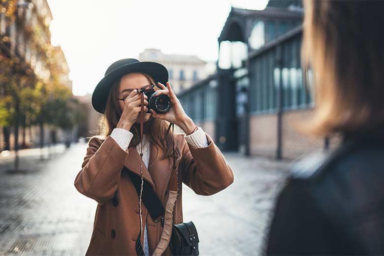 Eines der Hobbys im Lebenslauf dieser jungen Hobbyfotografin ist das Fotografieren