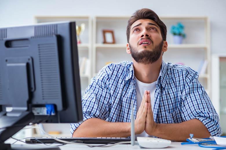 Verbindungsprobleme beim Remote Recruiting Mitarbeiter betet dass es diesmal klappt