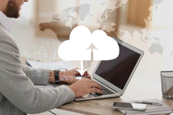 Cloud-Architekt bei der Arbeit