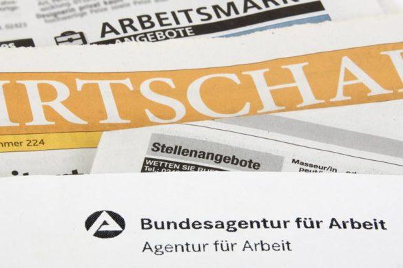 Agentur für Arbeit und Zeitungen