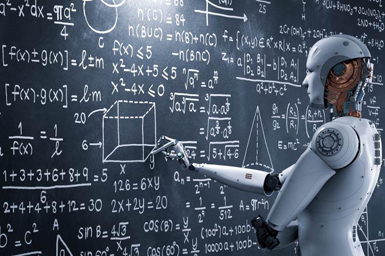 Deep Learning: Roboter führt Berechnungen an einer Tafel durch