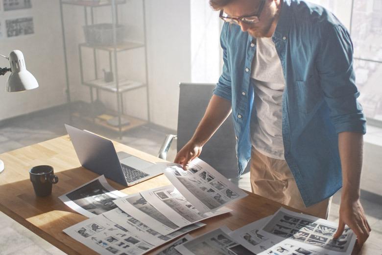 Creative Director bei der Planung von In-Game-Advertising