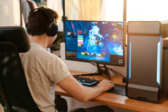 Gaming im Lebenslauf: Junger Gamer beim Zocken am PC